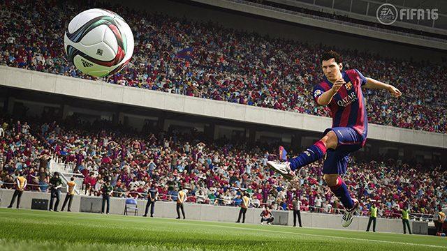 ディフェンスを強化したPS4™/PS3®『FIFA 16』は2015年10月発売予定!