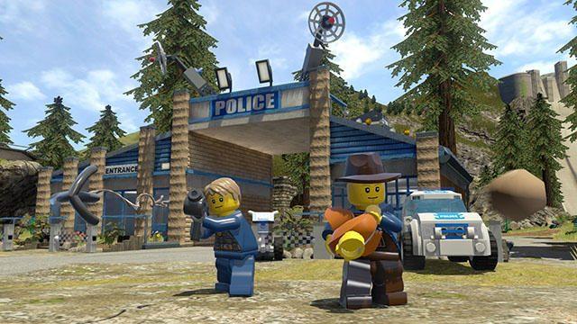 レゴ®シティを駆けめぐり、潜入捜査を始めよう! PS4®『レゴ®シティ アンダーカバー』本日発売!