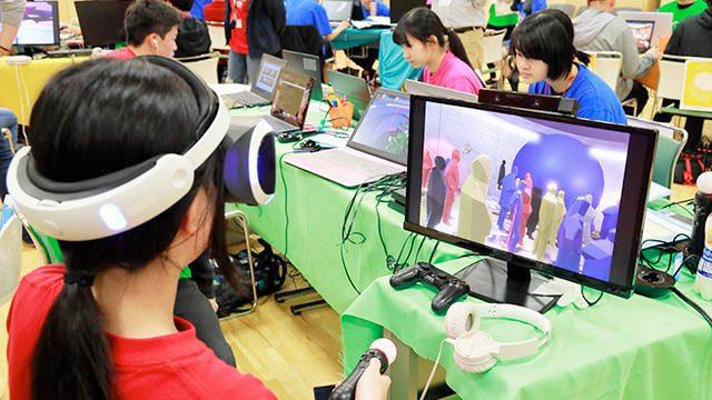 VRで自分だけの写真展をつくろう! ワークショップ「MEMOREUM TOKYO(メモリアム・トーキョー)」レポート